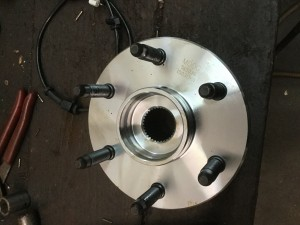 New wheel bearing hub assembly